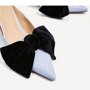 Zara size 39 Blue kitten heels w/ velvet bow